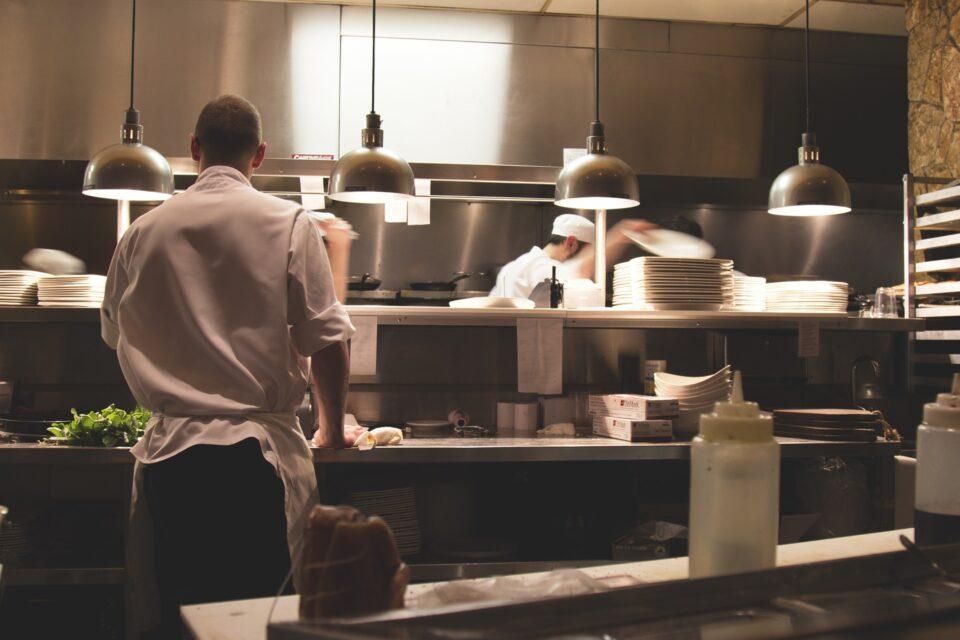 Offene Küche in Restaurants: Was sind Vor- und Nachteile?